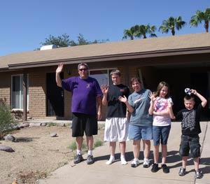Hernandez family gives a testimonial for Phoenix Realtors Ron and Kristina Wilczek